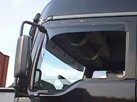 MB Actros MP I Seitenfenster Windabweiser