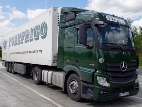MB Actros MP IV - StreamSpace 2300mm Special Aeropaket / höhenverstellbar